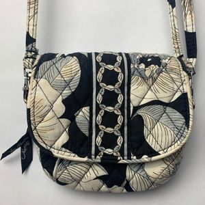 🌴2/$13 Vera Bradley Crossbody/Shoulder Bag